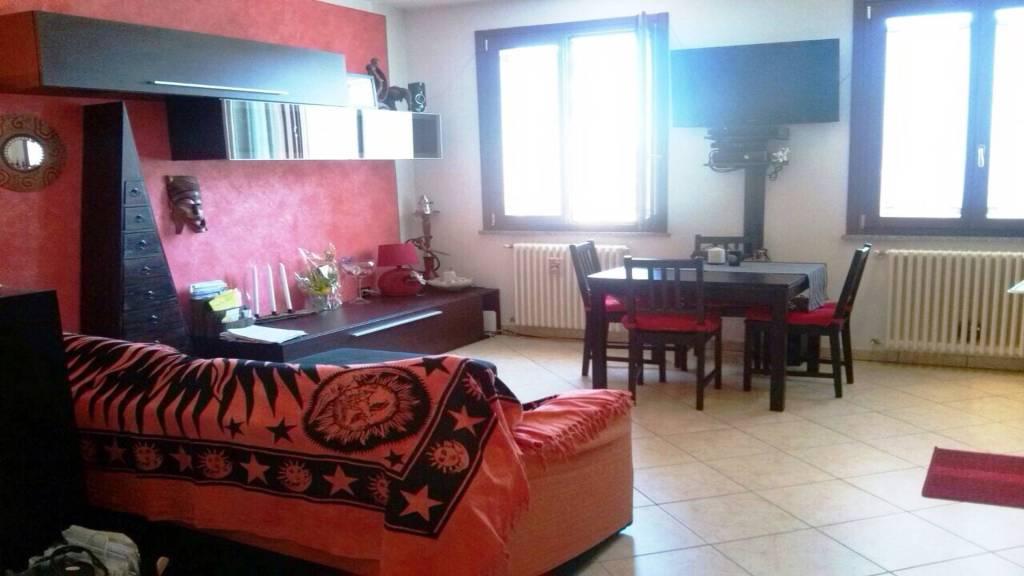 Appartamento in ottime condizioni arredato in vendita Rif. 7932426