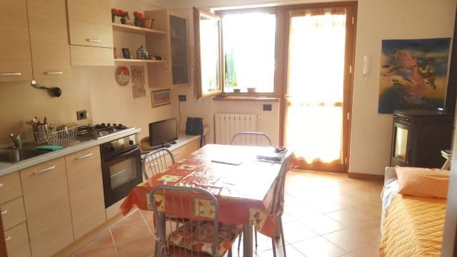 Appartamento in ottime condizioni arredato in vendita Rif. 4222564