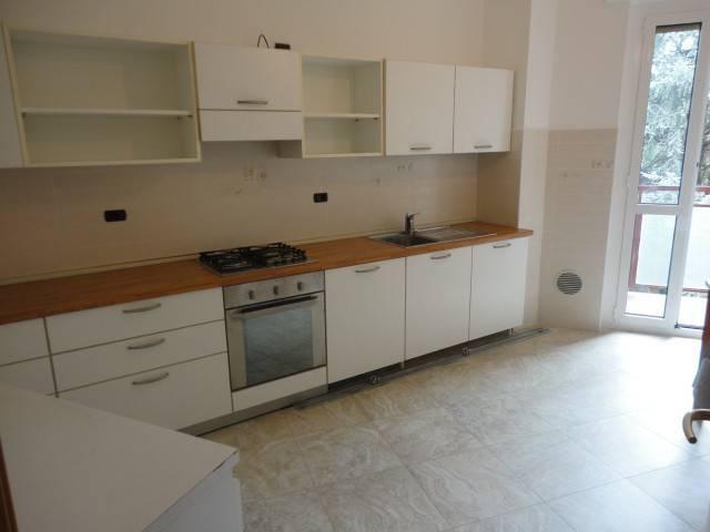 Appartamento in ottime condizioni arredato in vendita Rif. 7925465