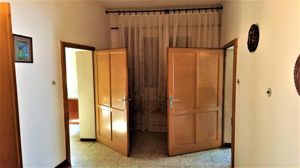 Villa in buone condizioni in vendita Rif. 7932428