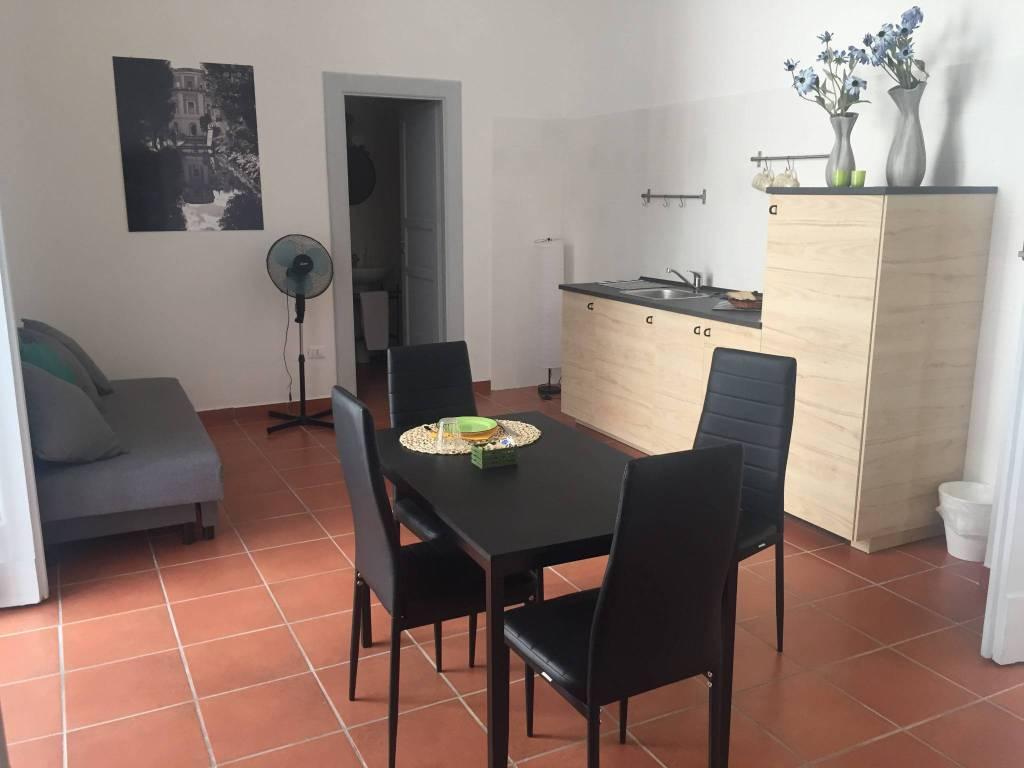 Appartamento in ottime condizioni arredato in affitto Rif. 7690308