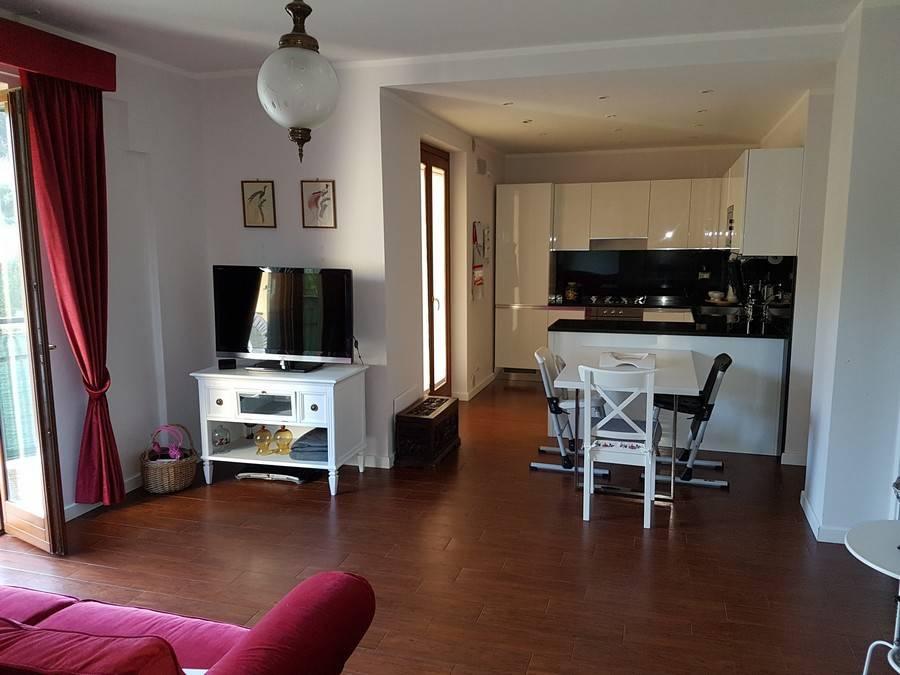 Appartamento in ottime condizioni in vendita Rif. 7928590