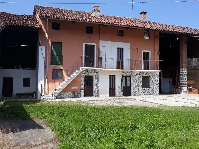 Rustico / Casale in vendita a San Benigno Canavese, 11 locali, prezzo € 80.000 | CambioCasa.it