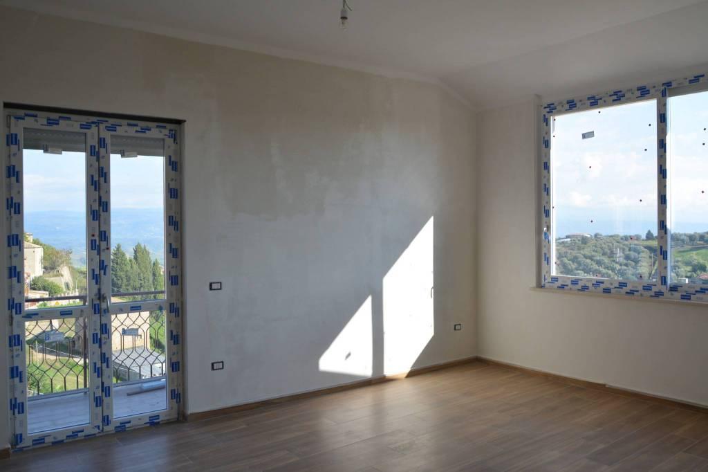 Appartamento in ottime condizioni in vendita Rif. 7934165