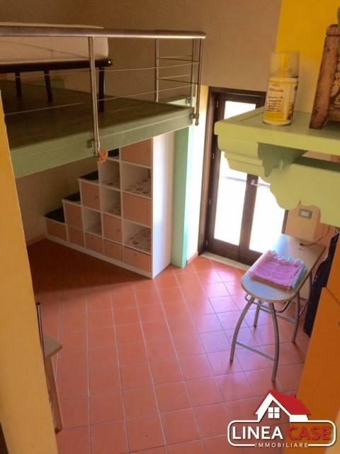 Appartamento in ottime condizioni arredato in affitto Rif. 7926522