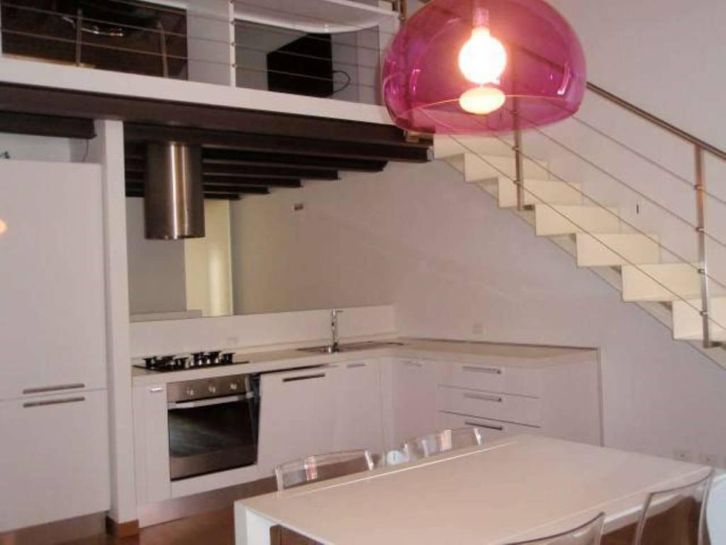 Appartamento in ottime condizioni arredato in affitto Rif. 8911494