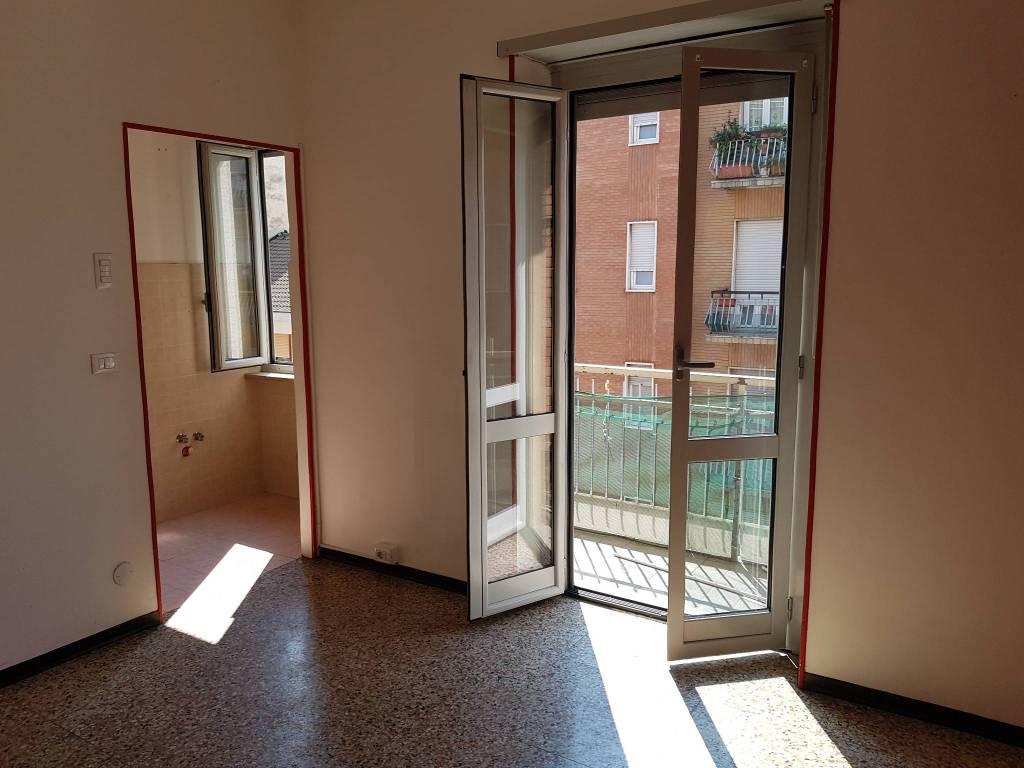 Appartamento in buone condizioni in affitto Rif. 7934724
