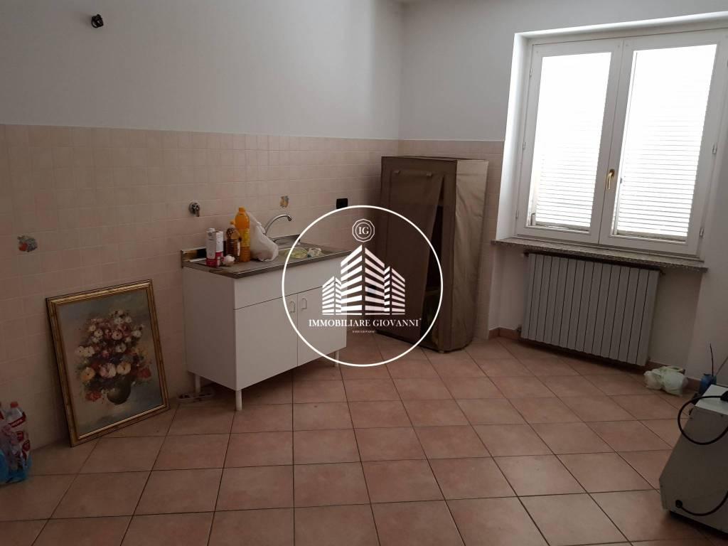 Appartamento in buone condizioni in affitto Rif. 7929382