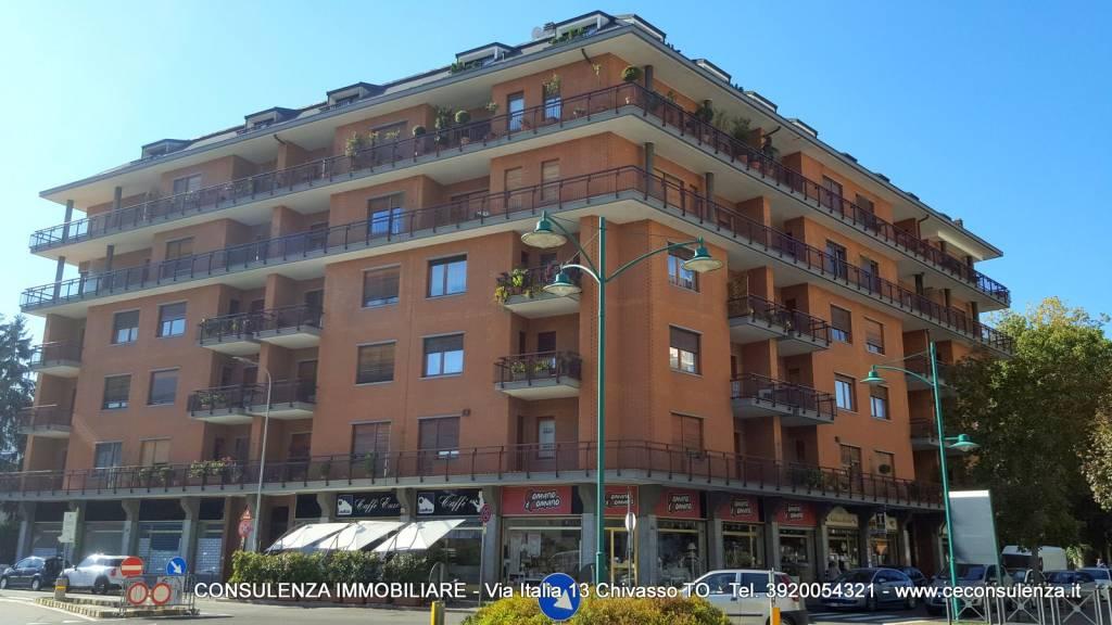 Appartamento in buone condizioni arredato in vendita Rif. 7924623