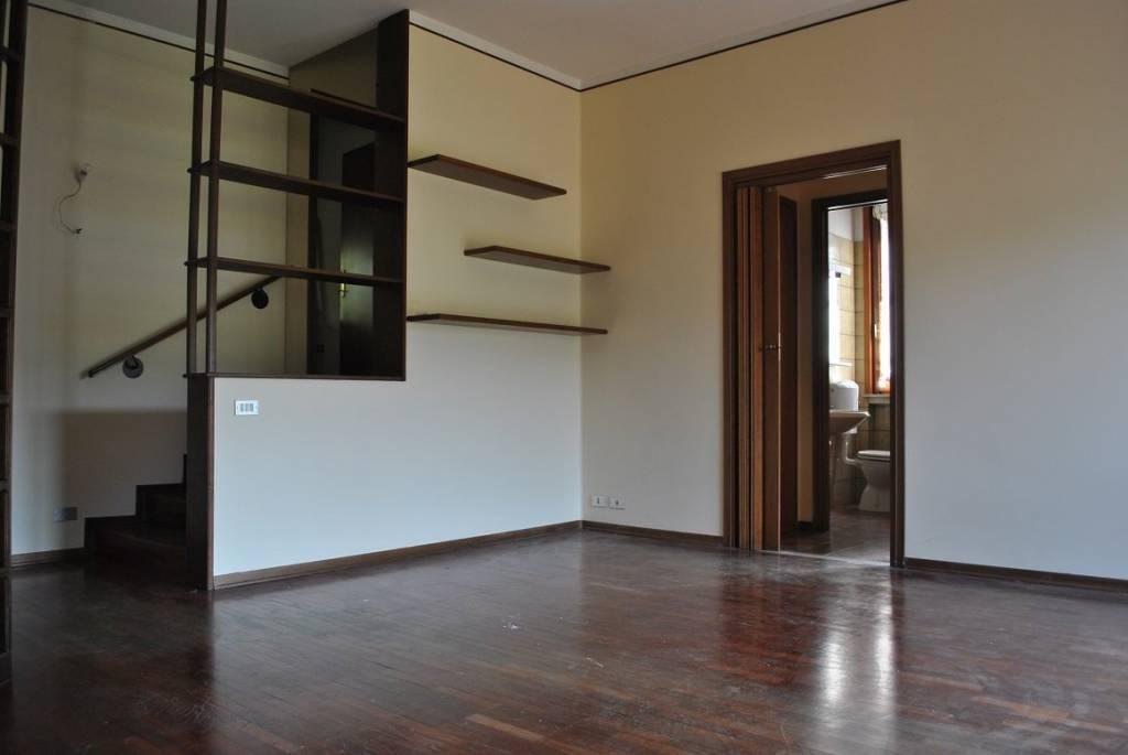 Appartamento in buone condizioni in vendita Rif. 7929984