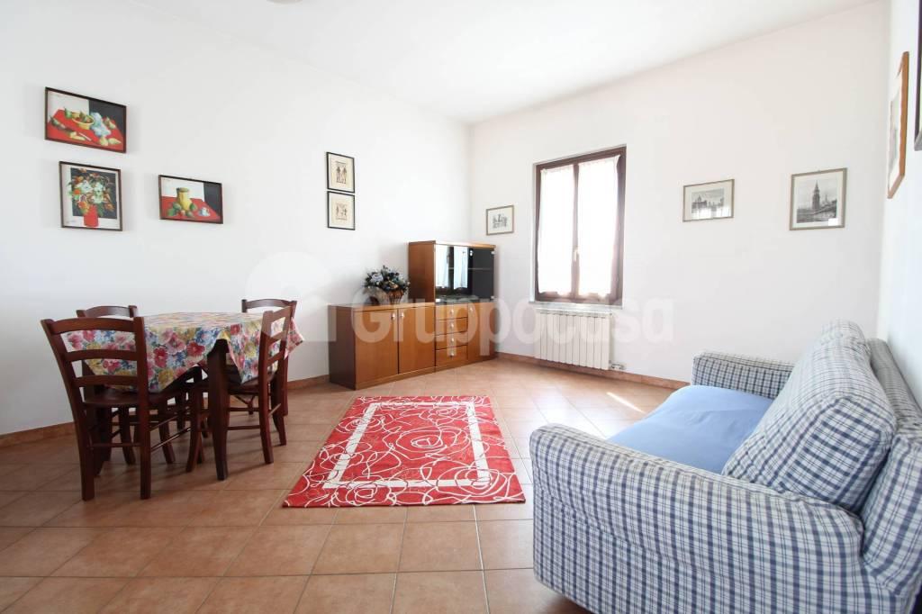 Appartamento in buone condizioni arredato in vendita Rif. 7924998