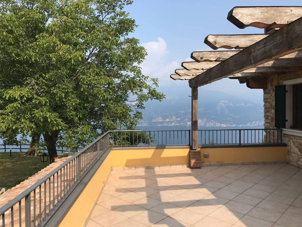 Appartamento in ottime condizioni arredato in vendita Rif. 7949558