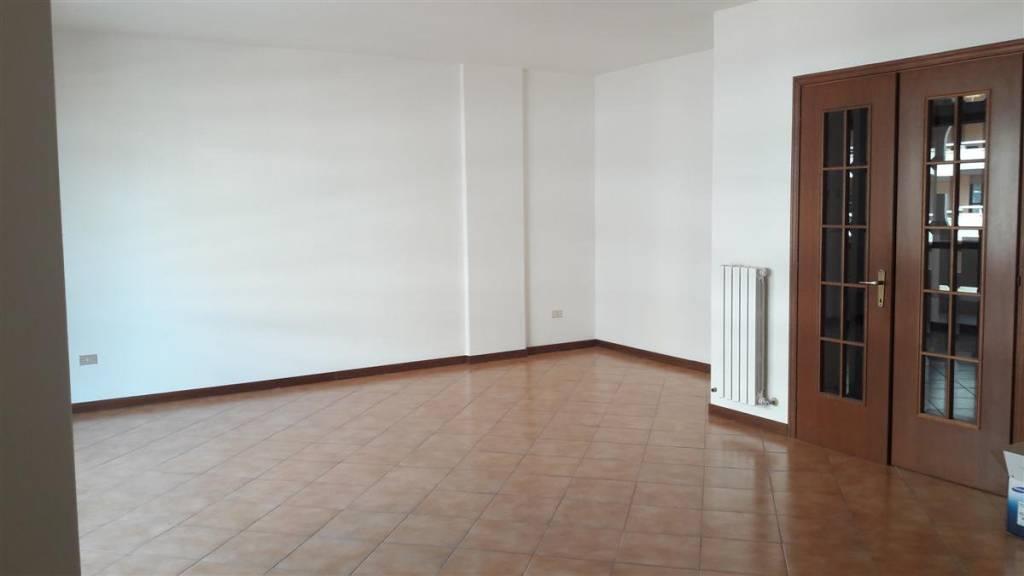 Appartamento in ottime condizioni in affitto Rif. 7927994