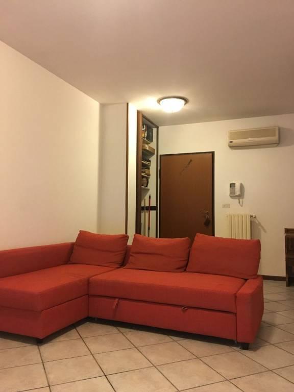 Appartamento in buone condizioni parzialmente arredato in vendita Rif. 7931391