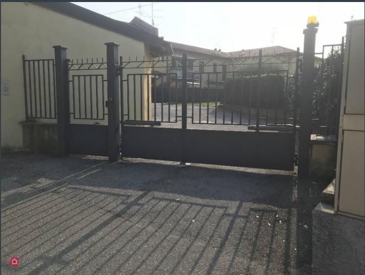 Appartamento da ristrutturare in vendita Rif. 7932493
