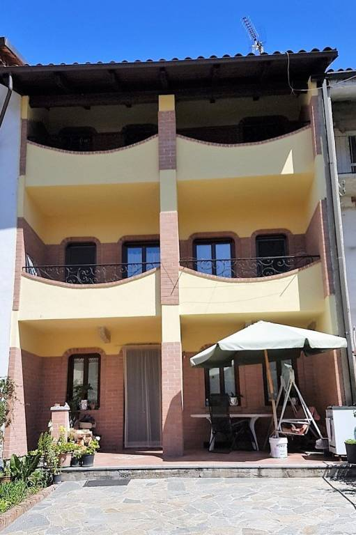 Foto 1 di Villa via Umberto I 16, Borgomasino