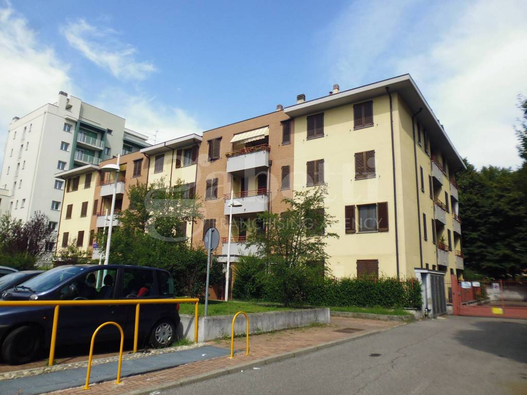 Appartamento in buone condizioni in vendita Rif. 7927608