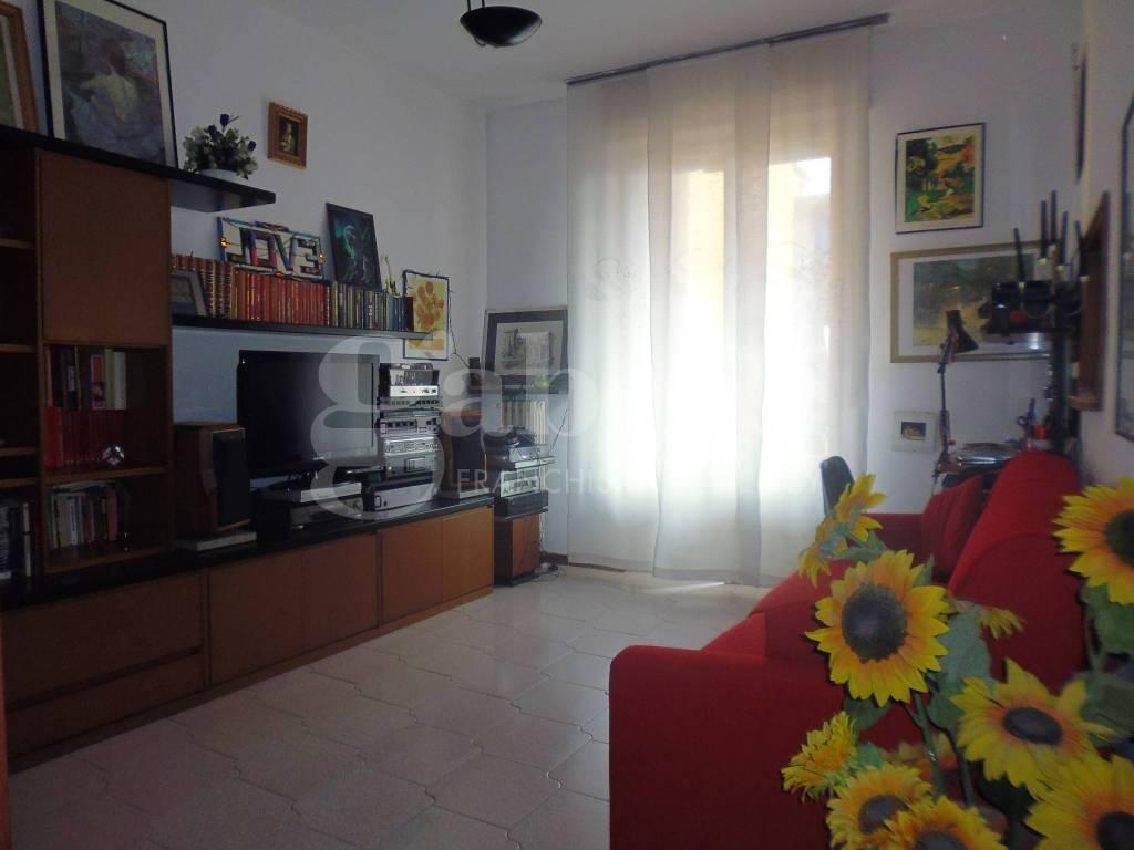 Appartamento da ristrutturare parzialmente arredato in vendita Rif. 7927610