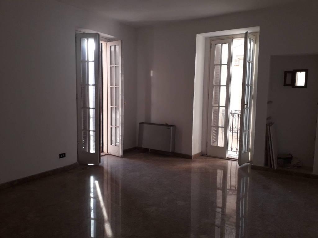 Appartamento in buone condizioni in affitto Rif. 7933473