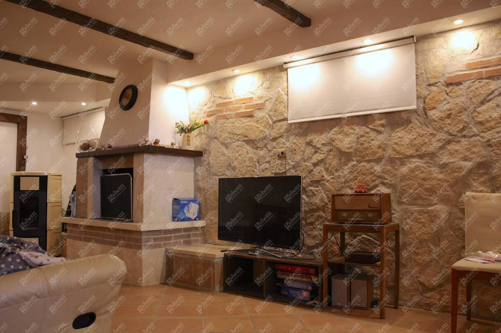Villa in ottime condizioni in vendita Rif. 8910895