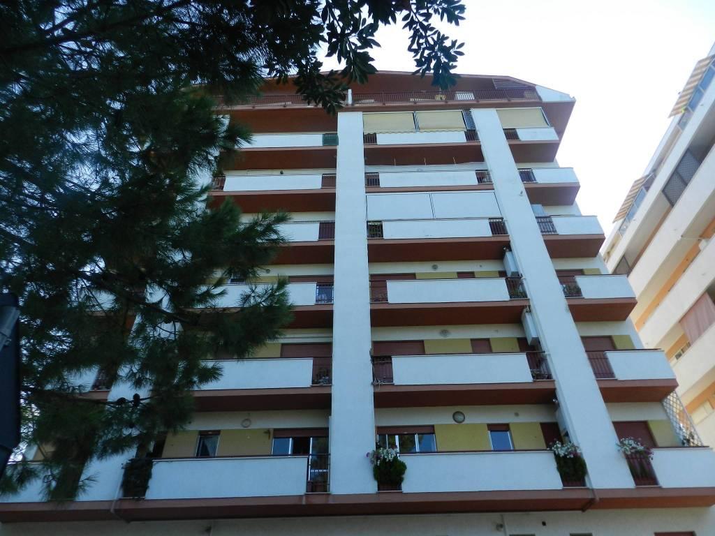 Attico / Mansarda in buone condizioni in affitto Rif. 7932432