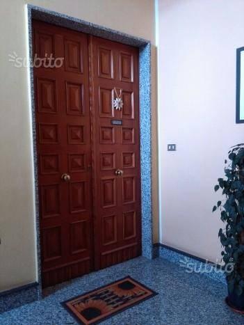 Appartamento in buone condizioni in affitto Rif. 8520249