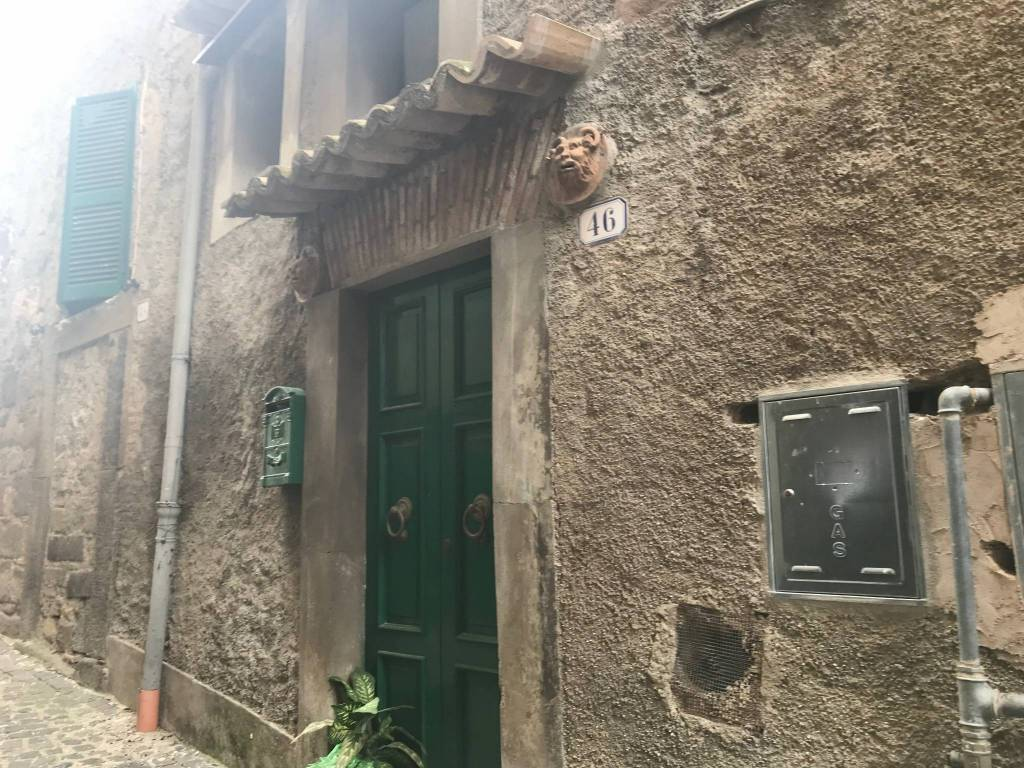 Castelnuovo di Porto arredato €550