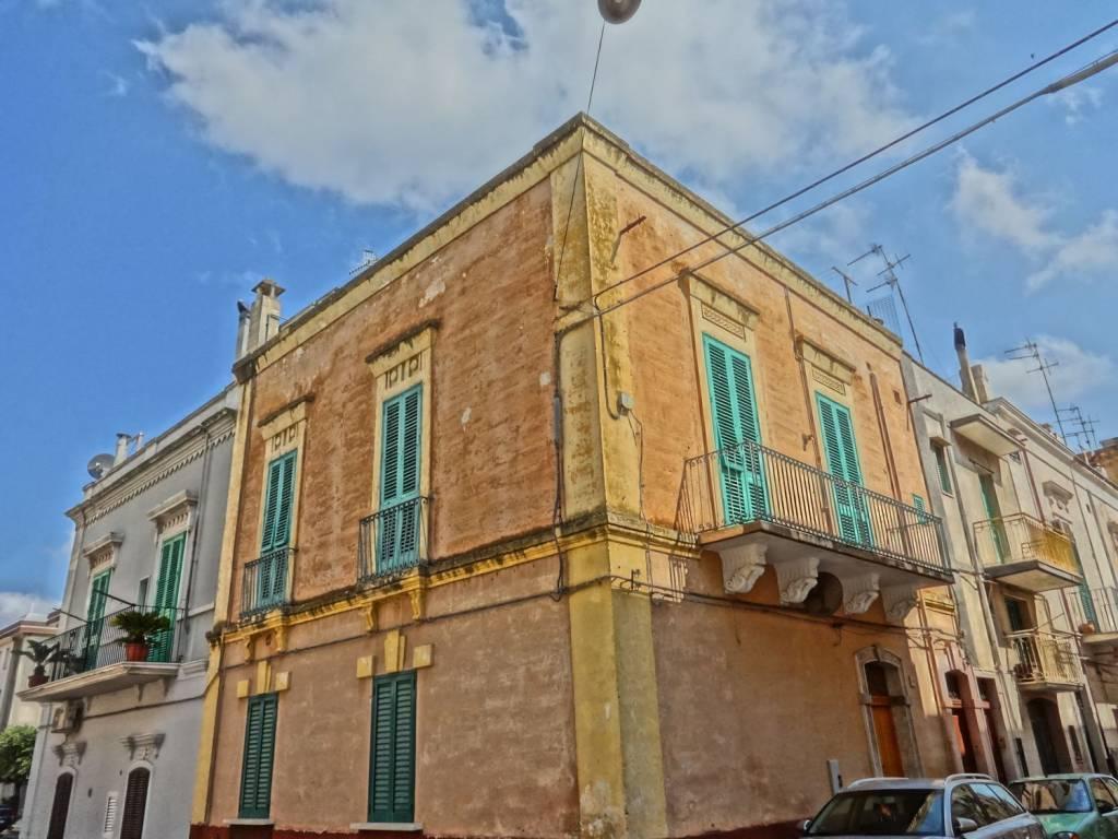 Casa Indipendente da ristrutturare in vendita Rif. 7930065