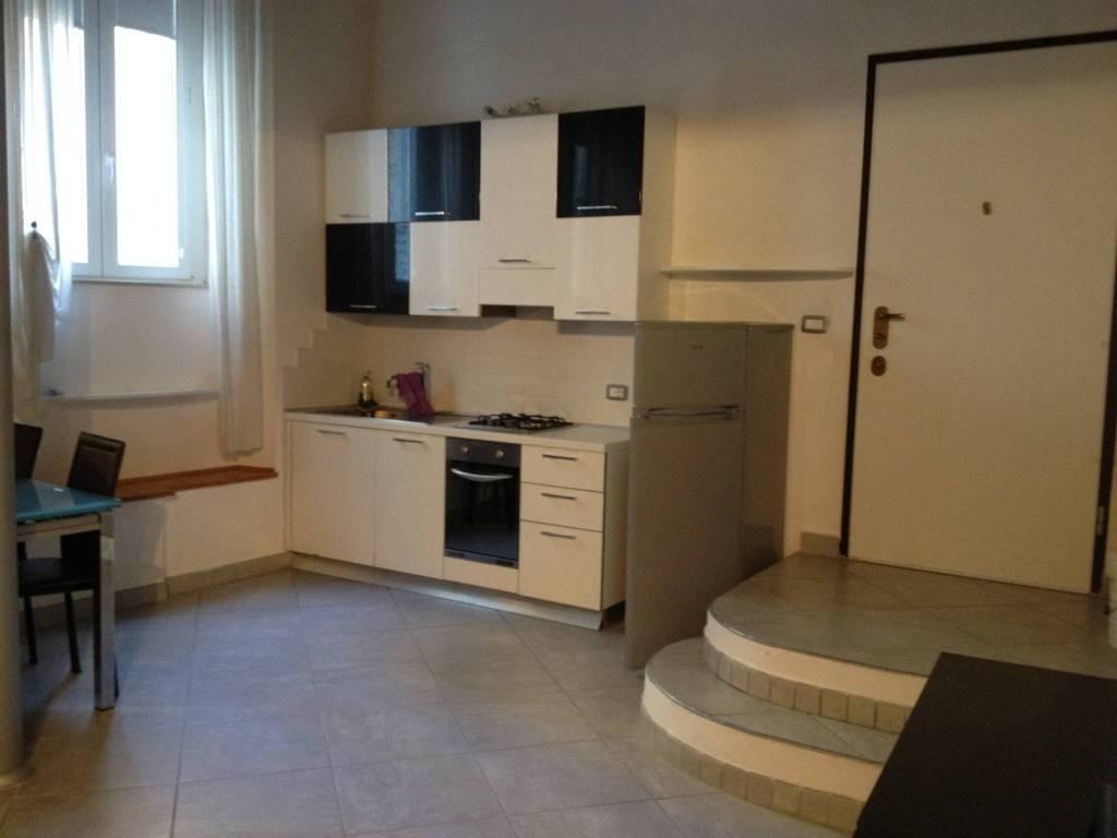 Appartamento in ottime condizioni arredato in affitto Rif. 7925705