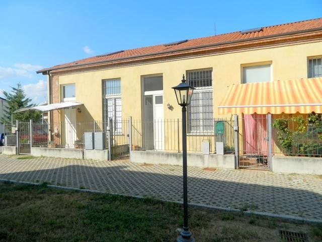 Foto 1 di Villetta a schiera via Rossi 14, Buttigliera D'asti
