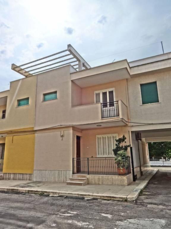 Casa Indipendente in buone condizioni in vendita Rif. 7930066