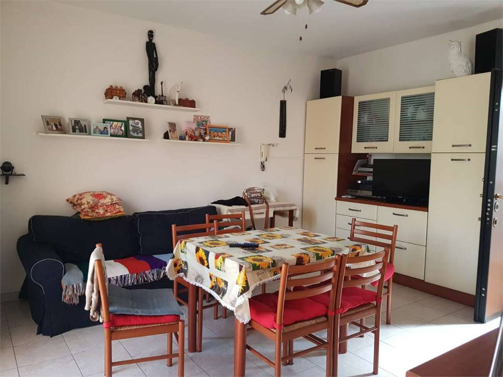 Appartamento in buone condizioni parzialmente arredato in vendita Rif. 7944426