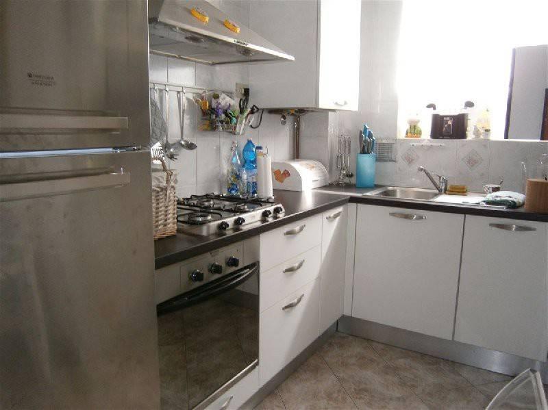 Appartamento in ottime condizioni parzialmente arredato in vendita Rif. 7946468