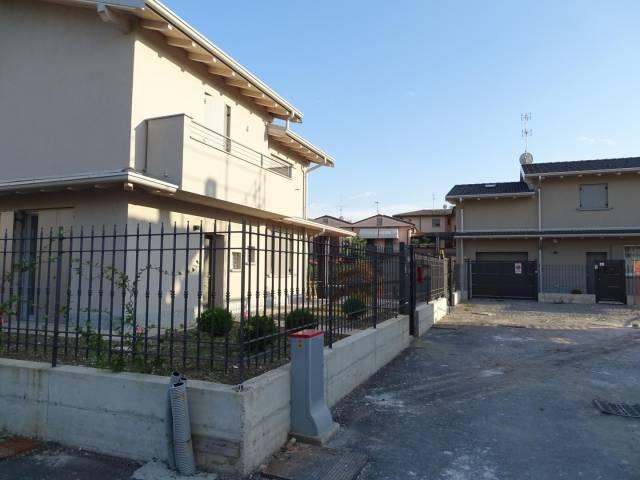 Appartamento quadrilocale in vendita a Spino d'Adda (CR)