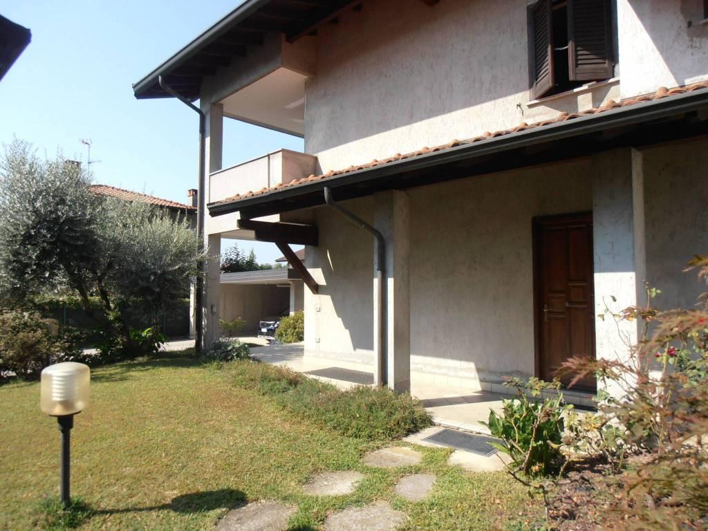 Villa in ottime condizioni in vendita Rif. 7948182
