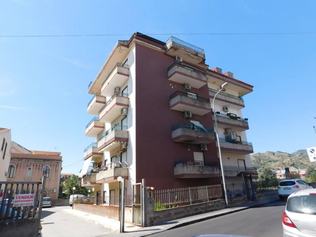 Appartamento da ristrutturare in vendita Rif. 7944022