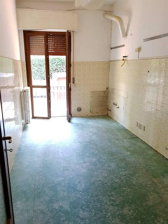 Appartamento in buone condizioni in affitto Rif. 7944379