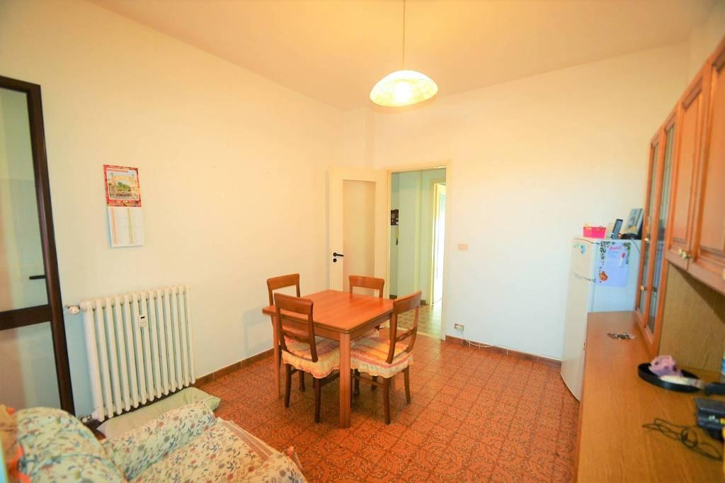 Appartamento in buone condizioni in affitto Rif. 7948074