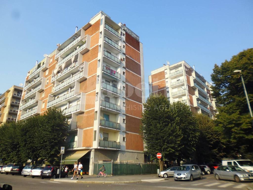 Appartamento da ristrutturare parzialmente arredato in vendita Rif. 7945221