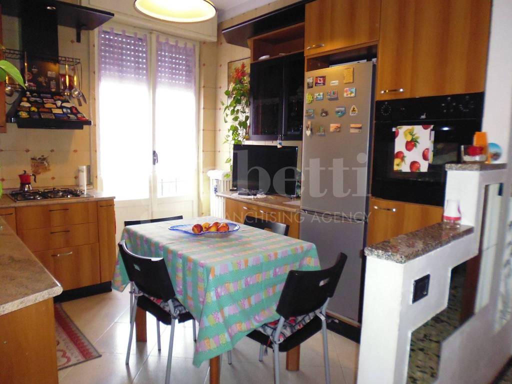 Appartamento da ristrutturare arredato in vendita Rif. 7945220