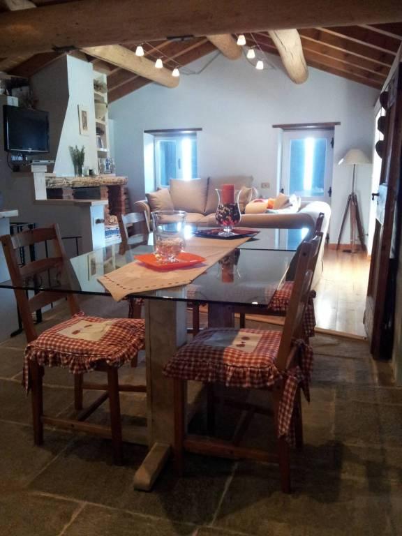 Rustico / Casale in vendita a Chiavenna, 4 locali, prezzo € 290.000 | CambioCasa.it