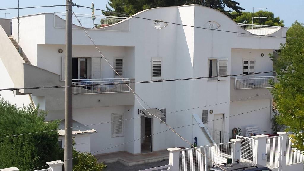 Appartamento in ottime condizioni arredato in affitto Rif. 7943646