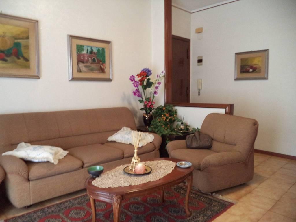 Appartamento in buone condizioni in vendita Rif. 7945911