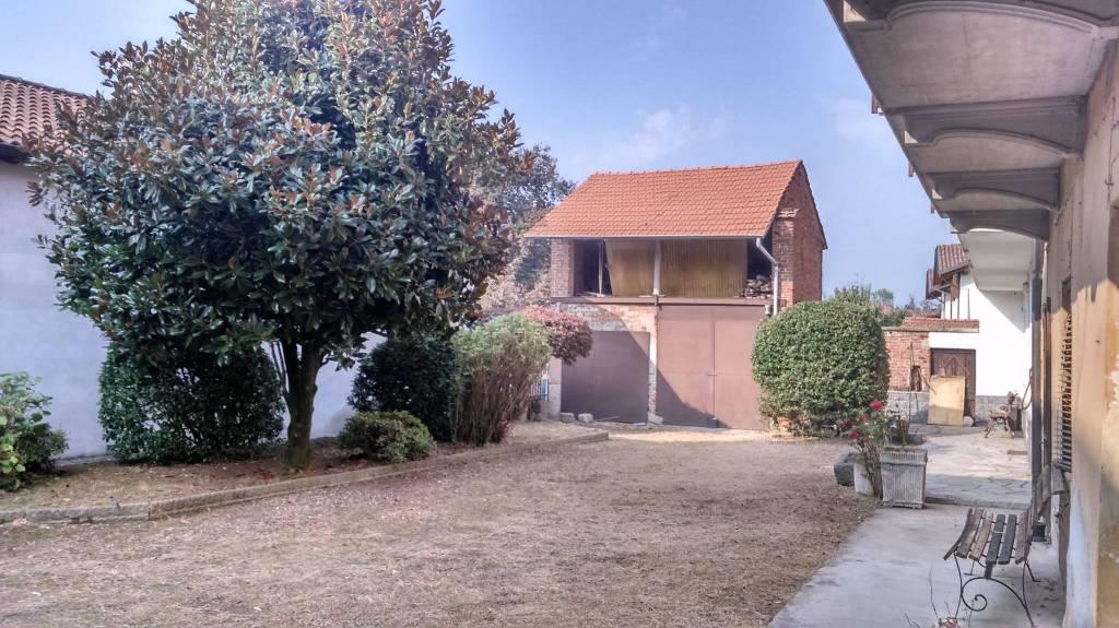Casa Indipendente in buone condizioni in vendita Rif. 8271756