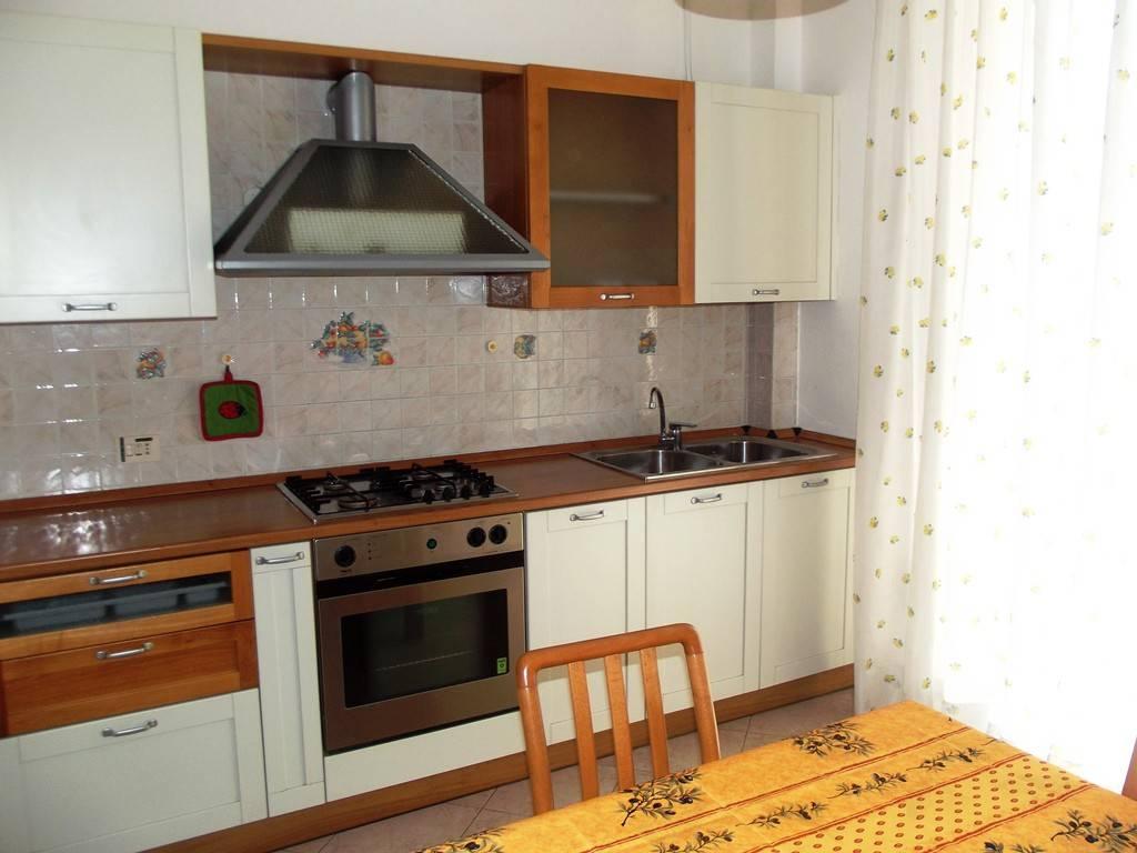 Appartamento in buone condizioni arredato in affitto Rif. 7944079