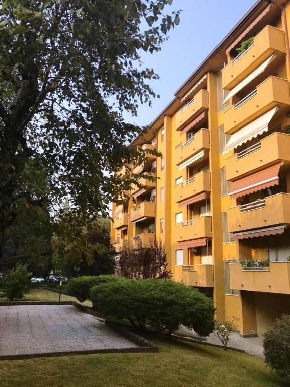 Appartamento in buone condizioni in vendita Rif. 7946152