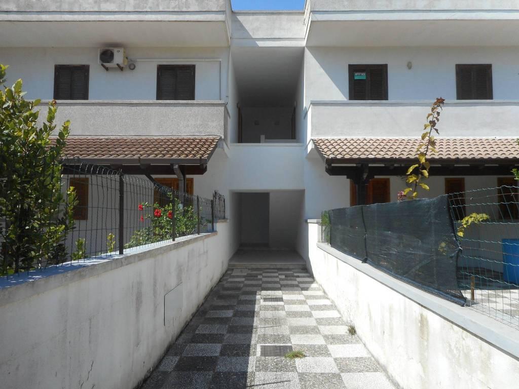 Appartamento in buone condizioni in vendita Rif. 7946682