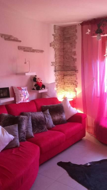 Appartamento in buone condizioni arredato in vendita Rif. 7949465