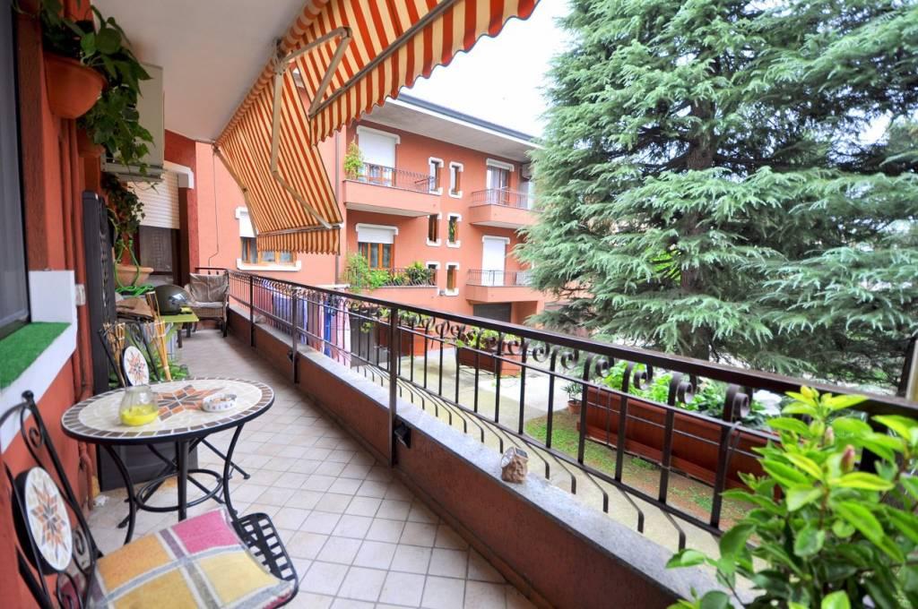 Appartamento in buone condizioni in vendita Rif. 7945338