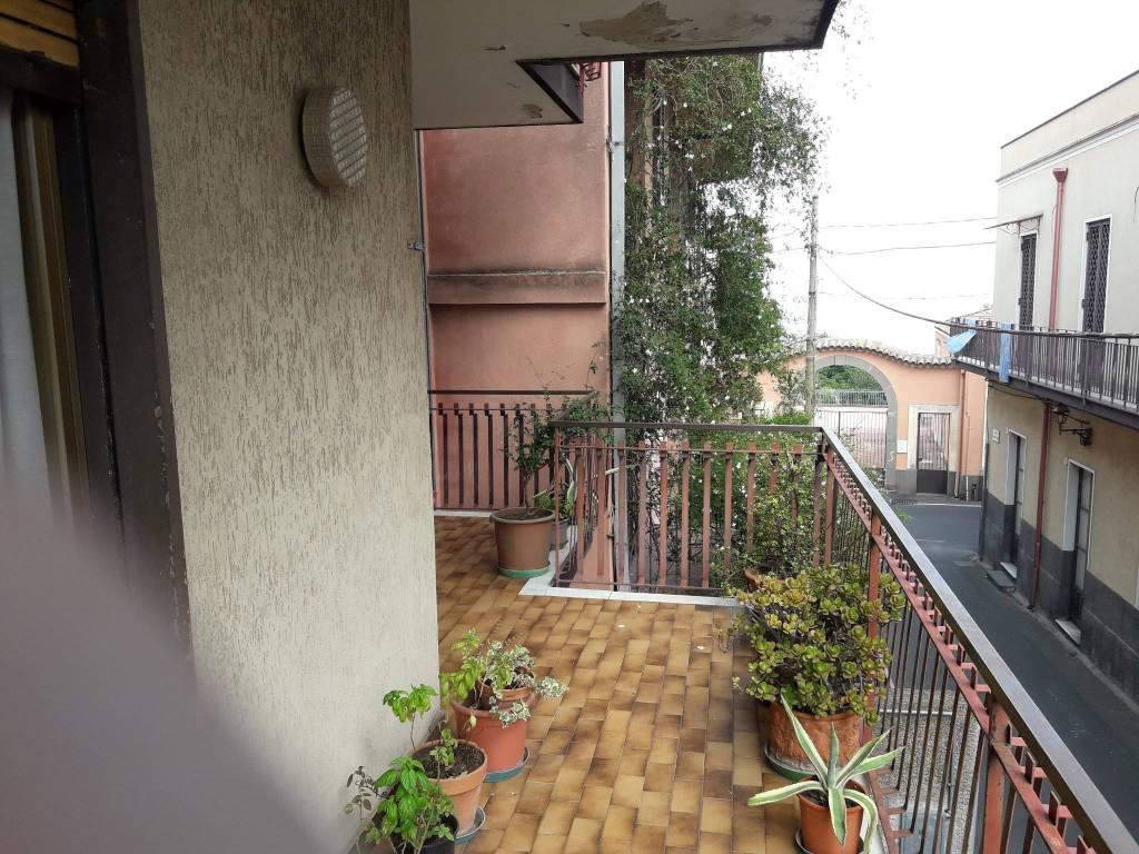 Appartamento in buone condizioni in vendita Rif. 8577165